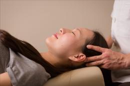 不眠症でお悩みの場合には自律神経に関わる21の関節を調整